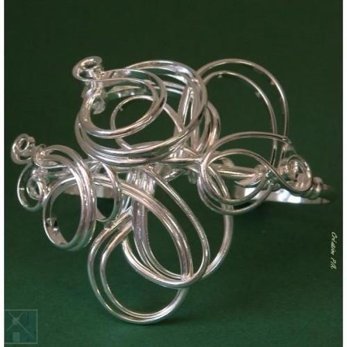 Bracelet fantaisie en fil argent