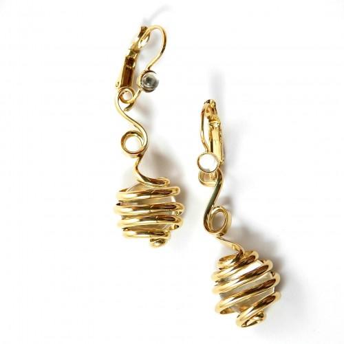 Boucles d'orilles artisanales, design contemporain