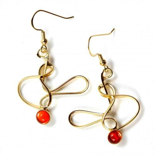 Création artisanale, boucles d'oreilles fantaisie dorées