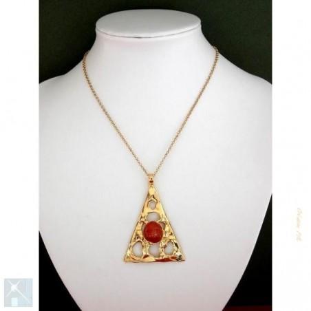 Pendentif artisanal, triangle doré.