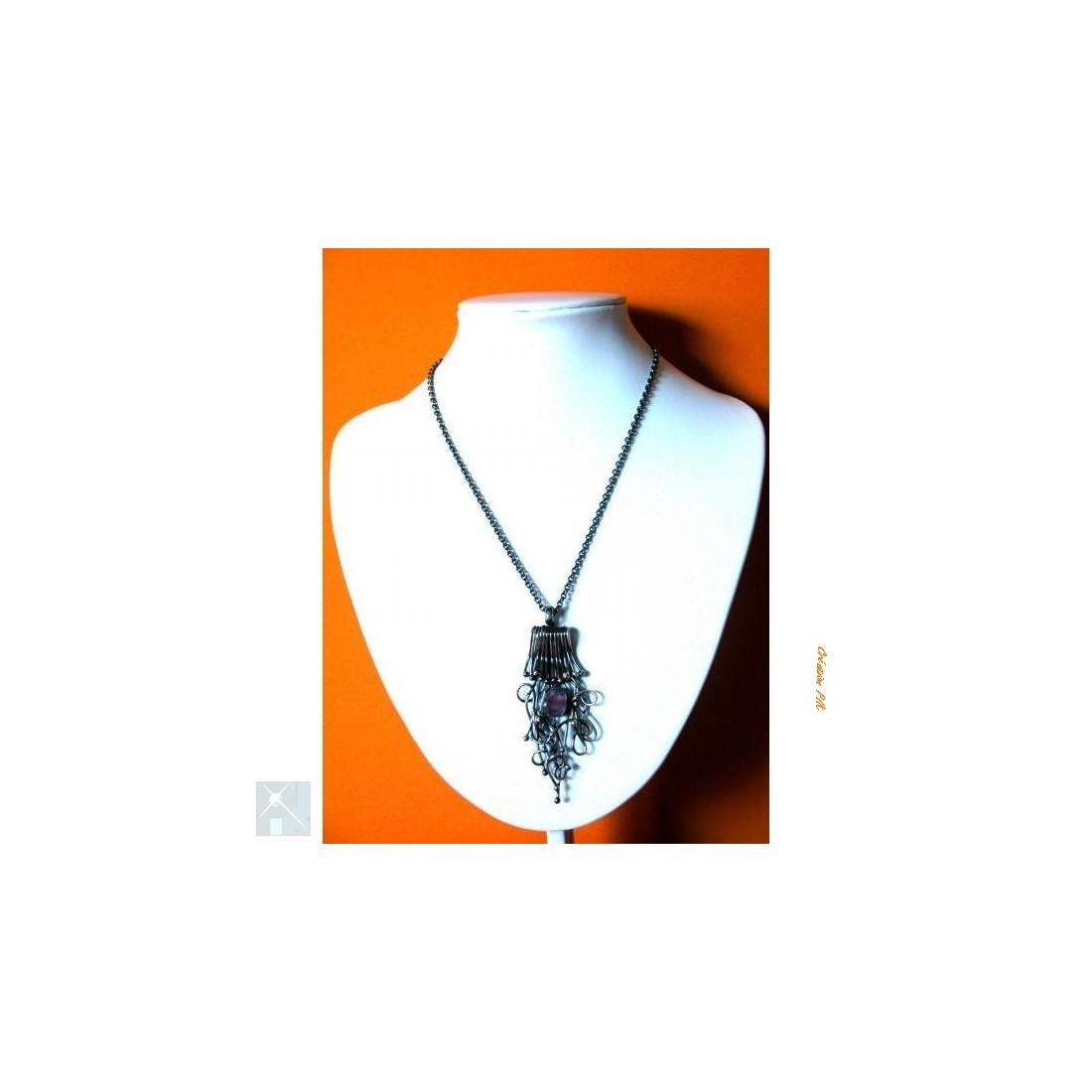 Pendentif, argent vieilli avec améthyste, création de bijoux artisanaux.