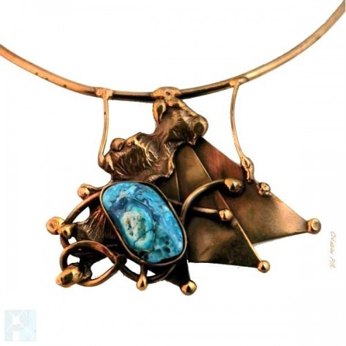 Collier bronze avec agate.