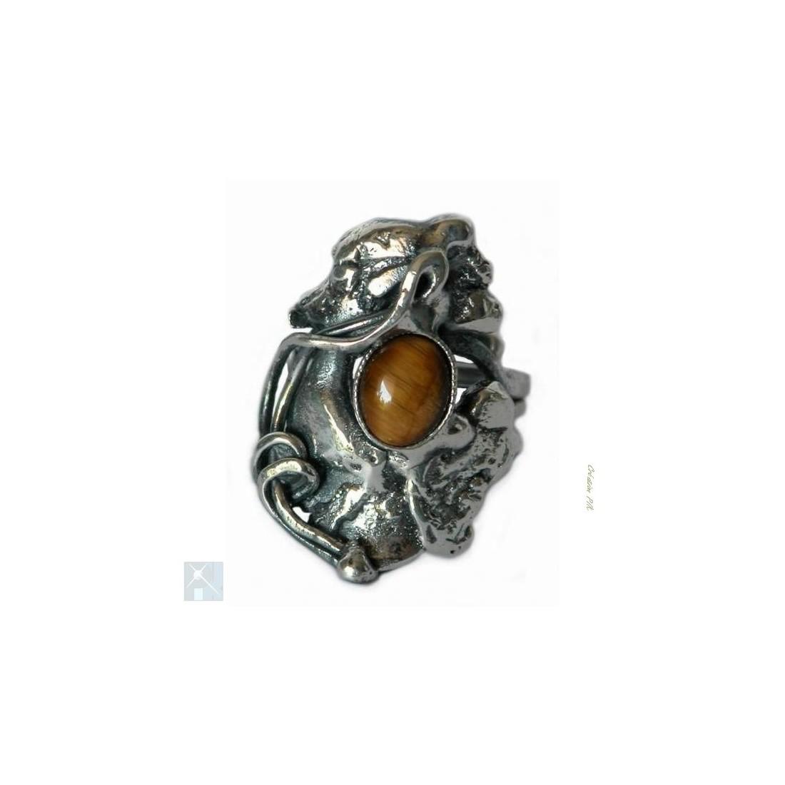 Bague de créateur avec la pierre fine l'oeil de tigre.