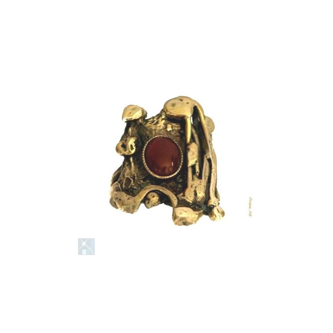Bague plaqué bronze avec grenat, pierre fine.