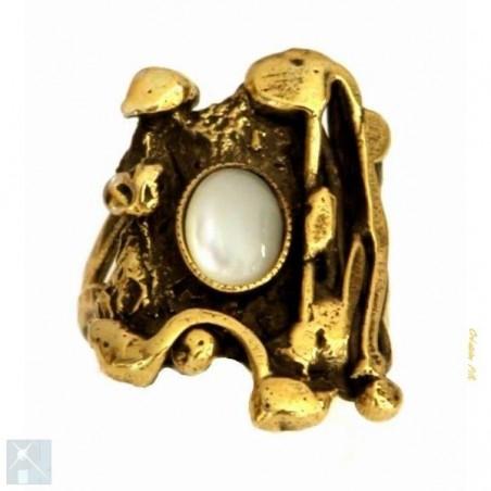 Bague plaqué bronze avec la nacre, création artisanale.