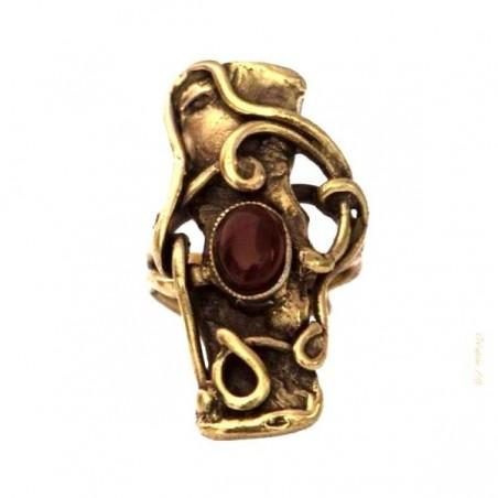 Bague baroque de couleur bronze.