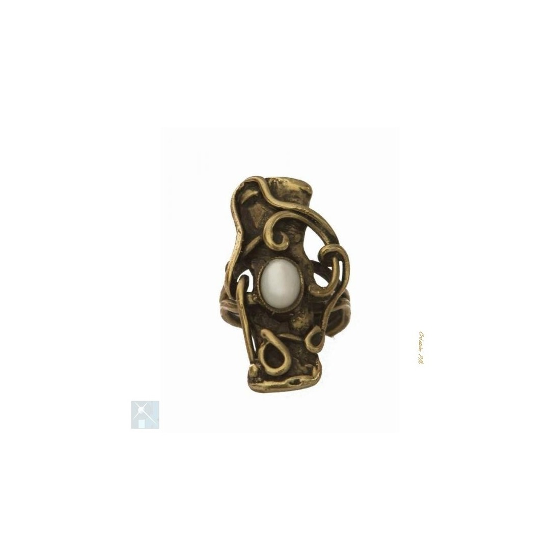 Bague baroque de couleur bronze avec la nacre.