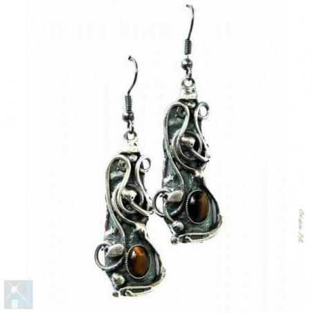Boucles d'oreilles artisanales.