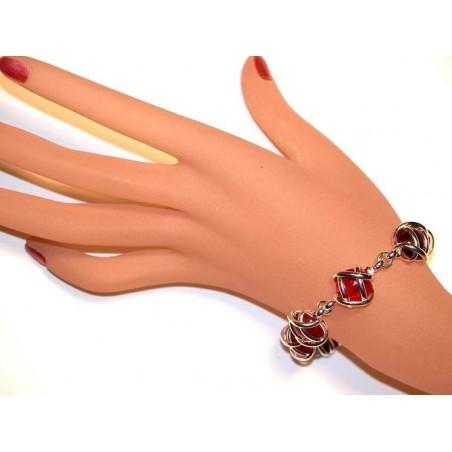 Bracelet rouge rubis et vieux rose. Création artisanale made in France.