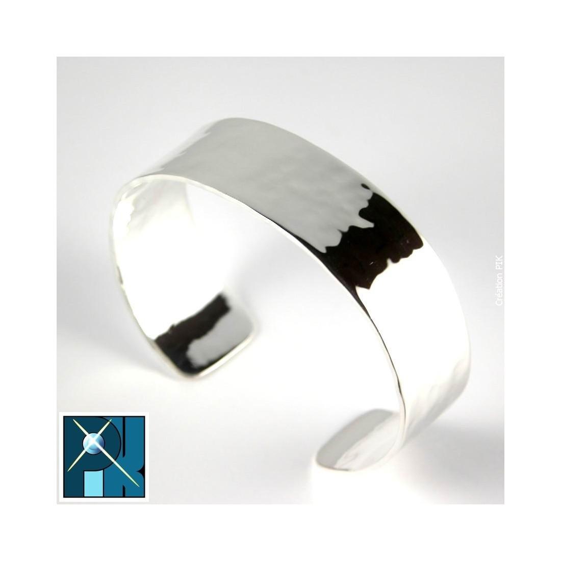 Bracelet martelé, fait main.