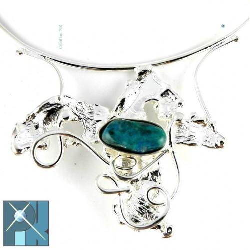 Collier baroque avec une pierre fine agate bleue, bijou de qualité