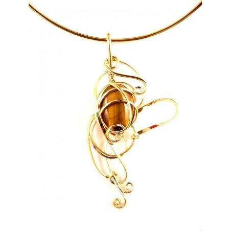 Collier doré avec une pierre véritable-oeil du tigre