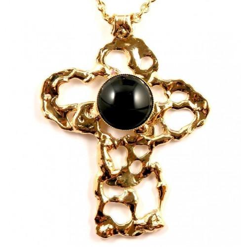 Bijou made in France, la croix dorée.