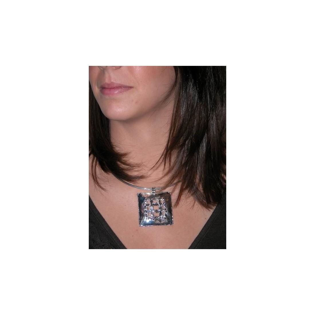 Bijou artisanal-collier argent de l'Atelier PIK