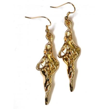Boucles d'oreilles en métal doré ou argenté, bijou fantaisie haut de gamme.
