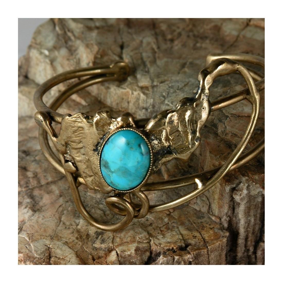 Bracelet artisanal unique fait main avec une turquoise