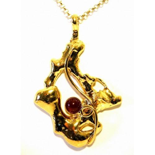 Pendentif doré de créateur, bijou chic avec une pierre fine