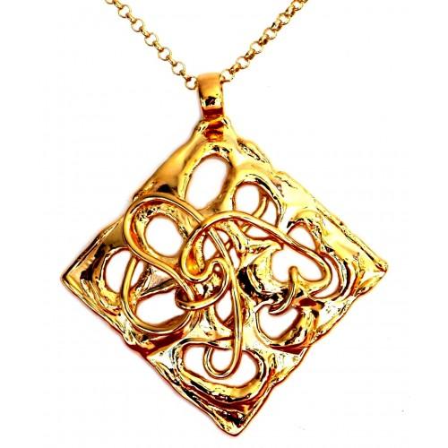 Pendentif doré, ajouré au centre, bijou unique fait main