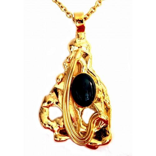 Pendentif artisanal doré avec une pierre véritable