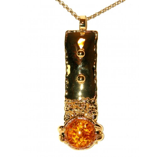 Long pendentif artisanal doré avec ambre