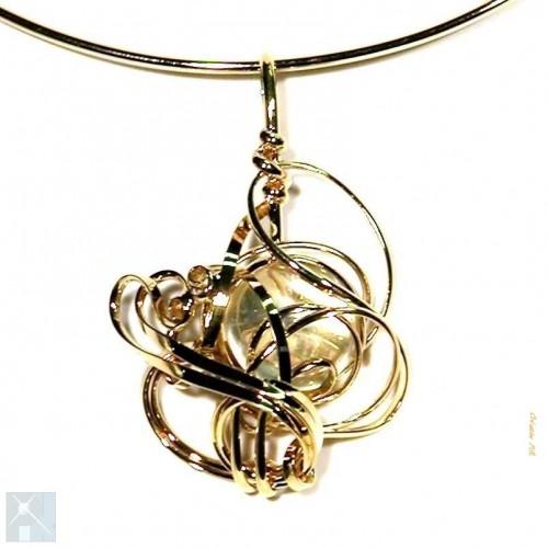 Collier artisanal doré, pierre transparente, bijou artisanal