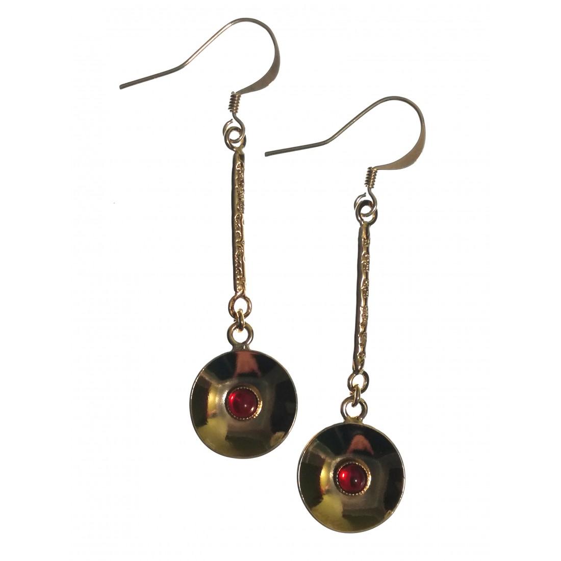 Boucles d'oreilles avec pierre rouge