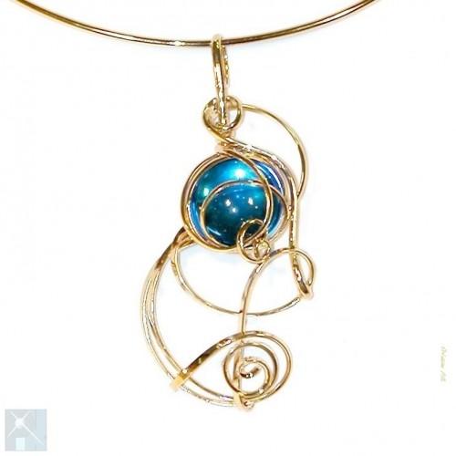 Collier fantaisie bleu clair, bijou fait main en France