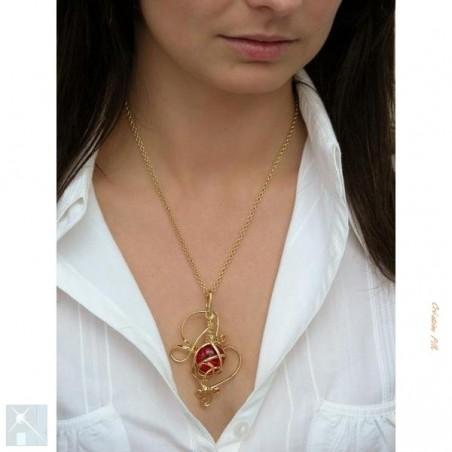 Pendentif artisanal, bijou or et rouge rubis