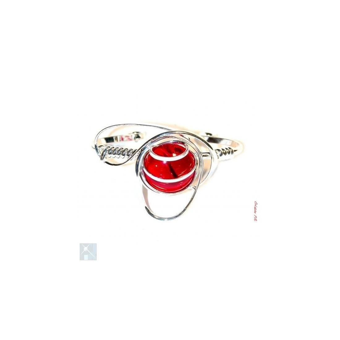 Bracelet argent et rouge rubis.