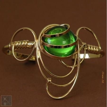 Bracelet doré de créateur français. Bijou d'art fait main.