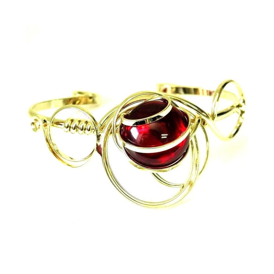 Bracelet forme moderne, doré et rouge rubis