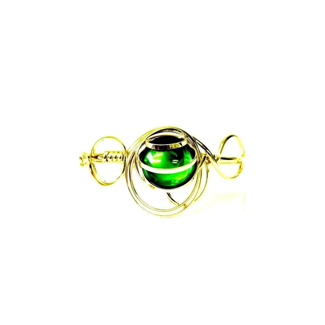 Bracelet moderne doré et vert peridot.