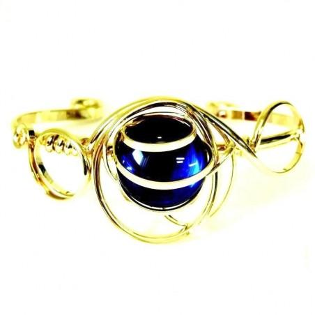 Bracelet  moderne bleu fonce ou bleu saphir.