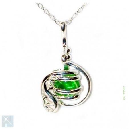 Création artisanale, pendentif argent vert clair.