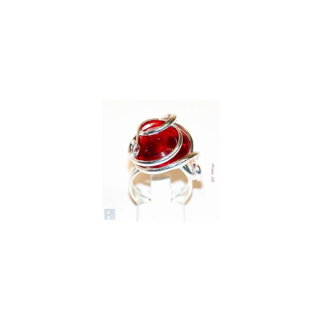 Bague argent rouge rubis. Bijou crée par un artisan d'art.