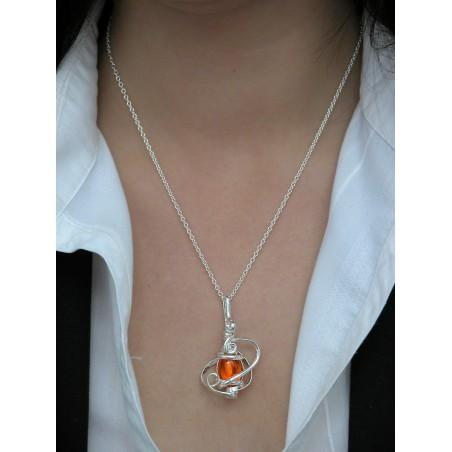 Petite fantaisie artisanale orange.