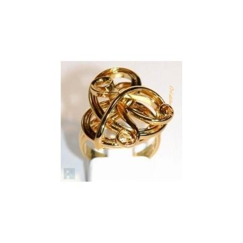 Création artisanale de bijoux fantaisie. Bague unique faite à la main.