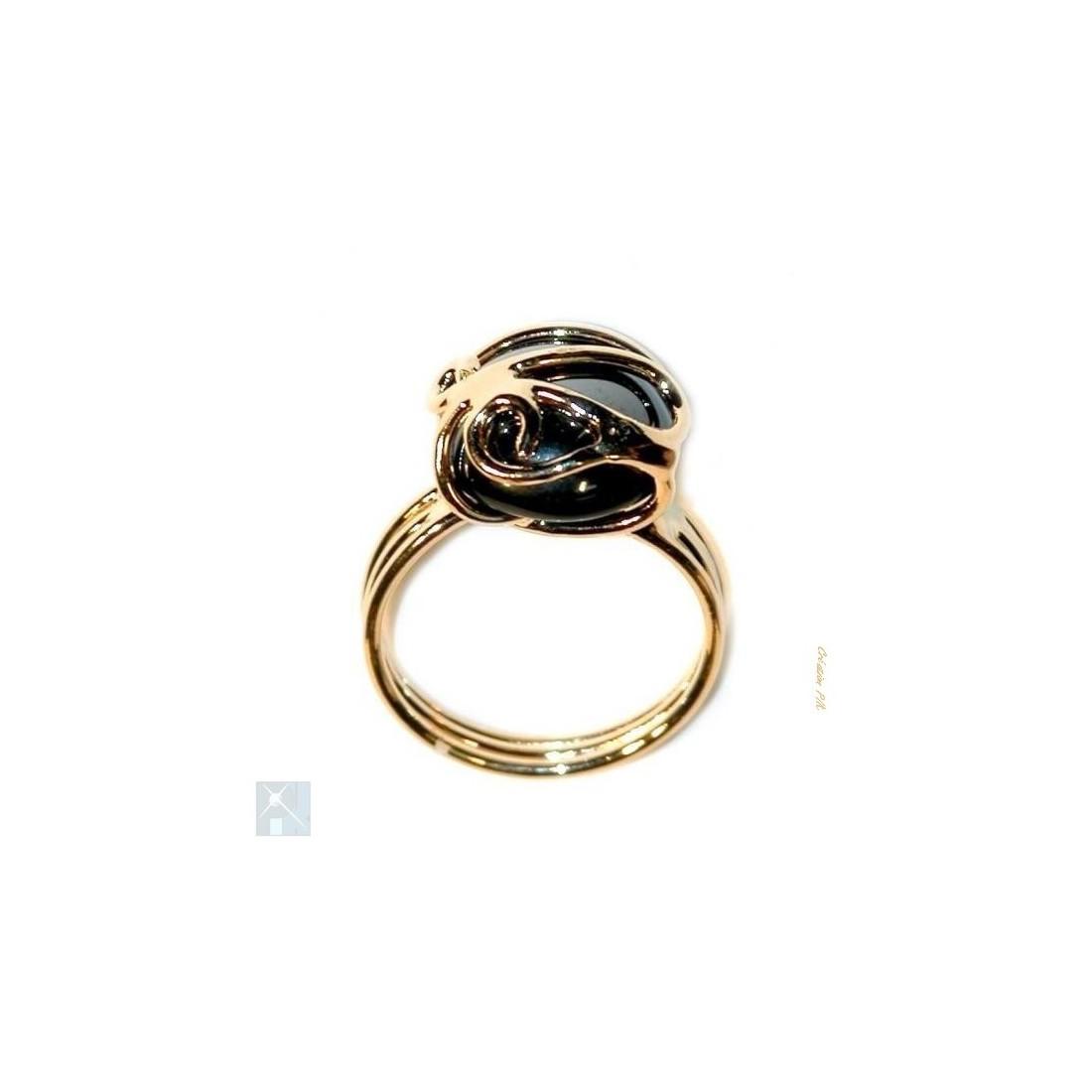 Petite bague pour femme dorée noire hématite.