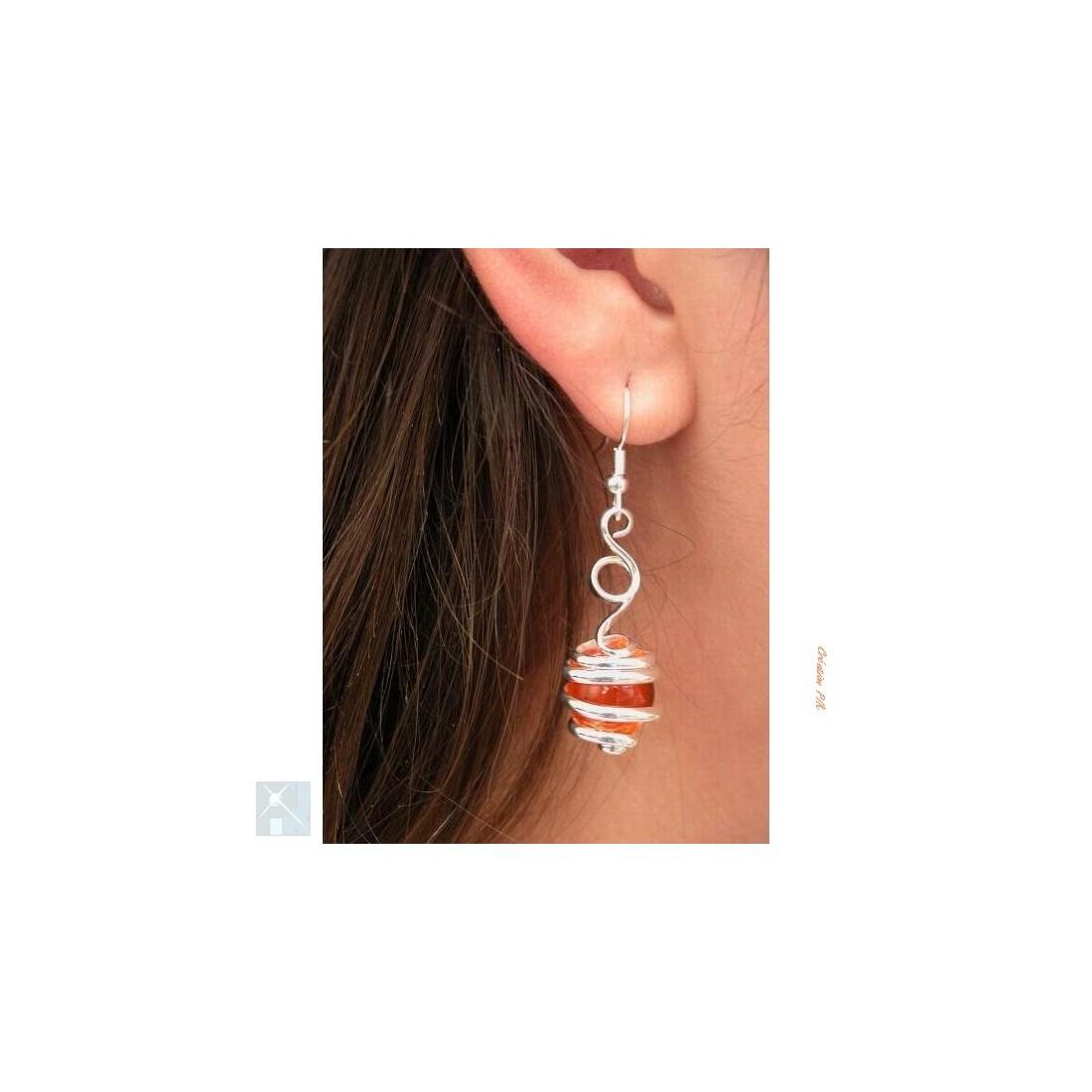 Boucles d'oreilles, création artisanale argent et orange.