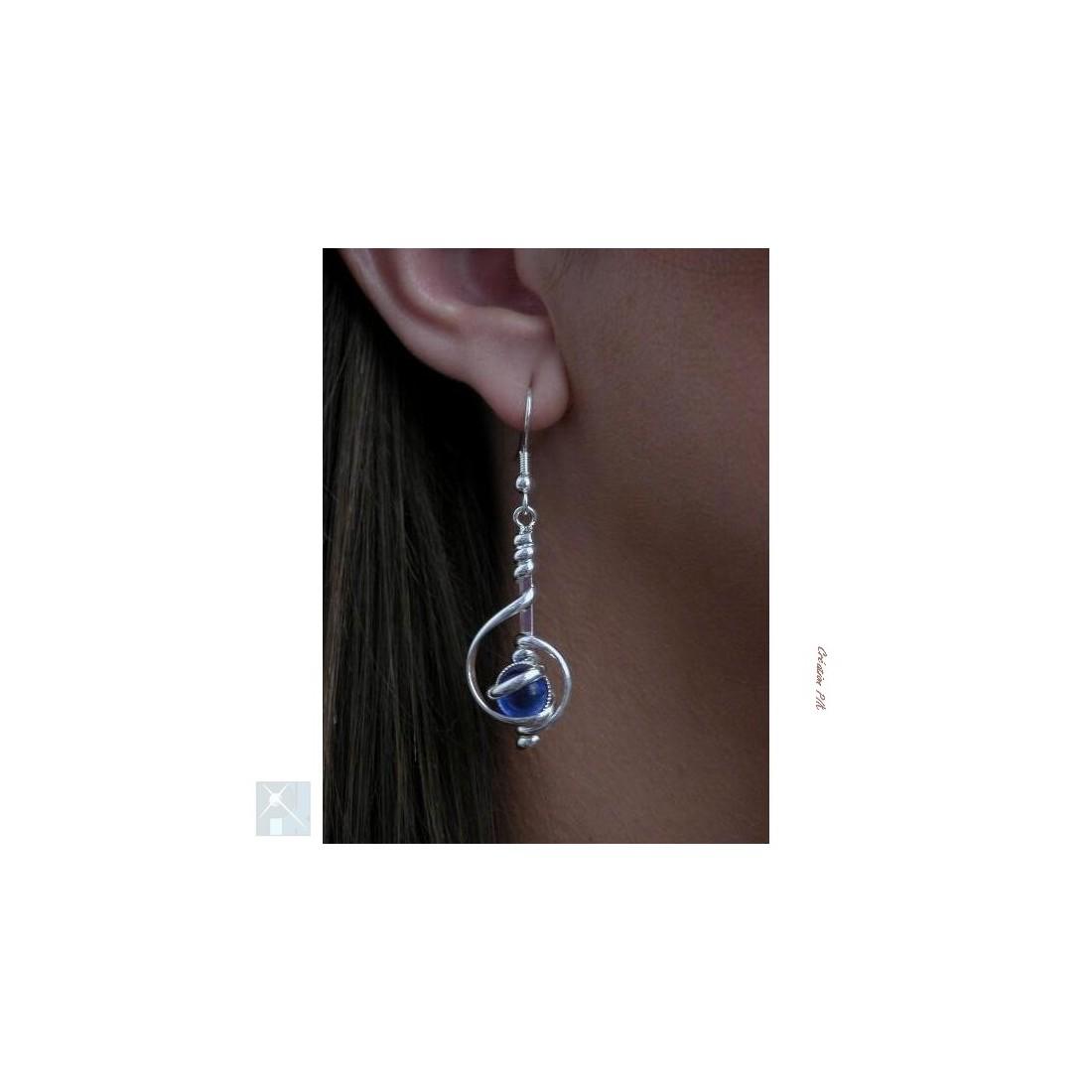 Boucles d'oreilles artisanaux, bleues.