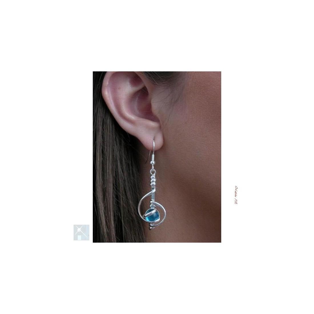 Boucles d'oreilles-bleu clair.
