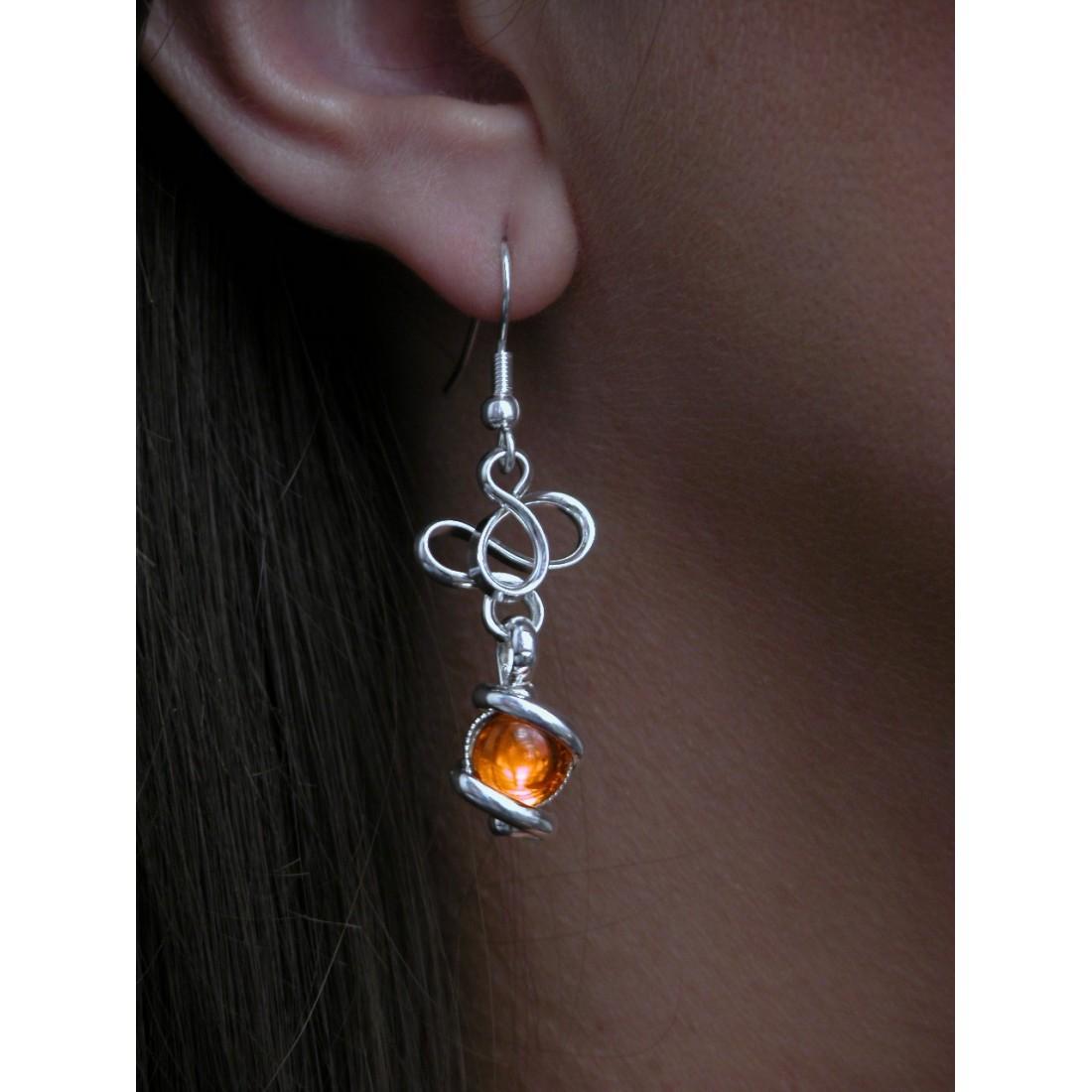 Boucles d'oreilles, couleur orange et argent.