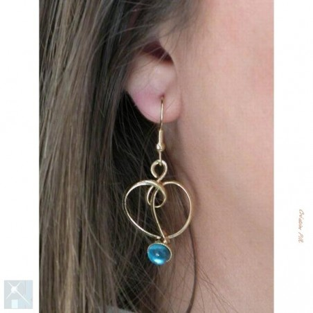 Boucles d'oreilles fantaisie.