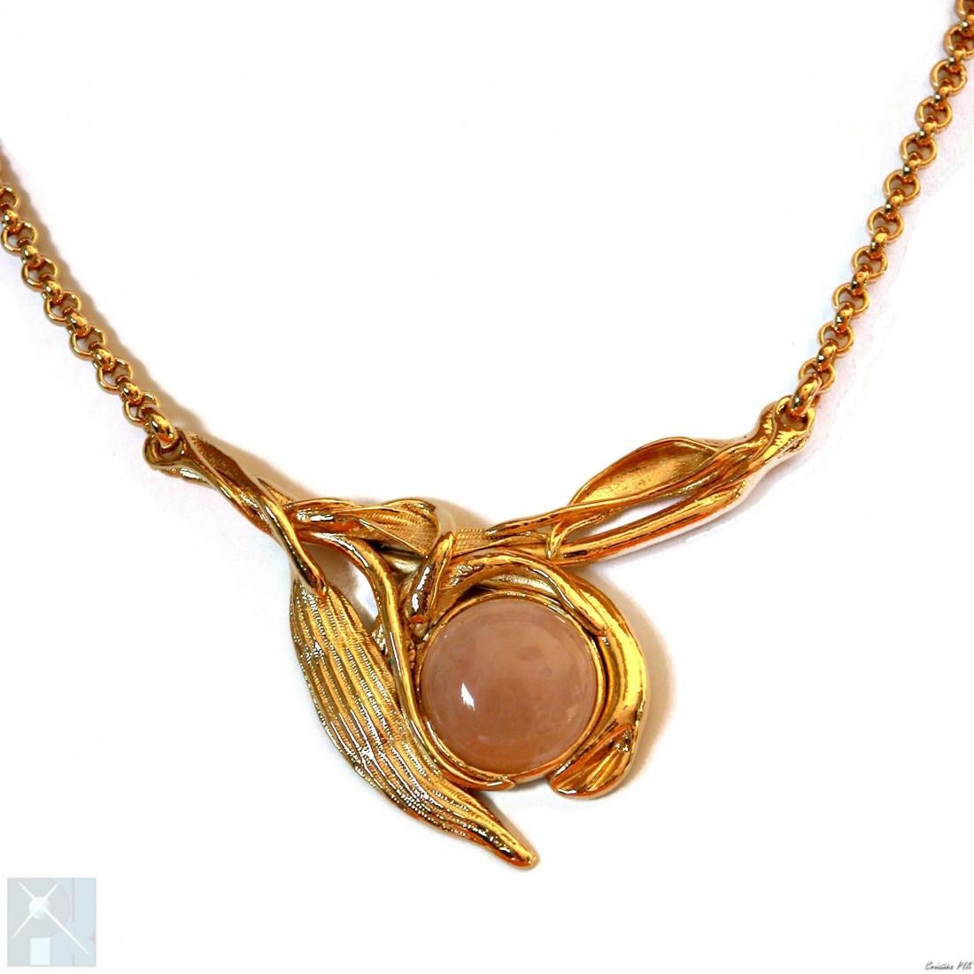 Collier plaqué or avec pierre fine, quartz rose.